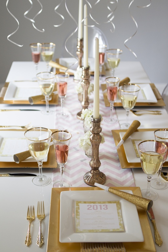 gold-new-years-decor