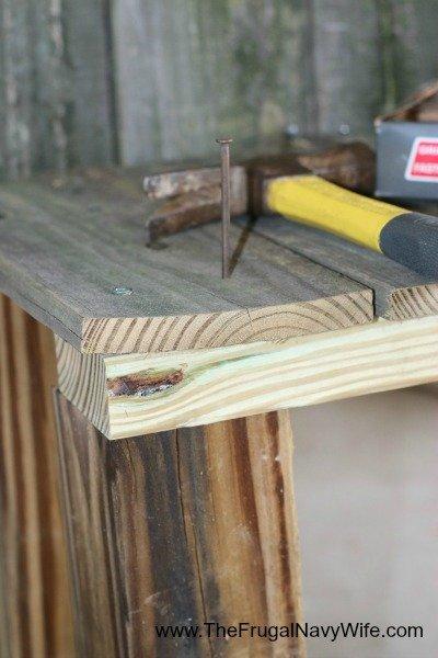DIY Ohio State Buckeye Bench Nail