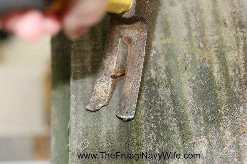 DIY Ohio State Buckeye Bench Remove Nails
