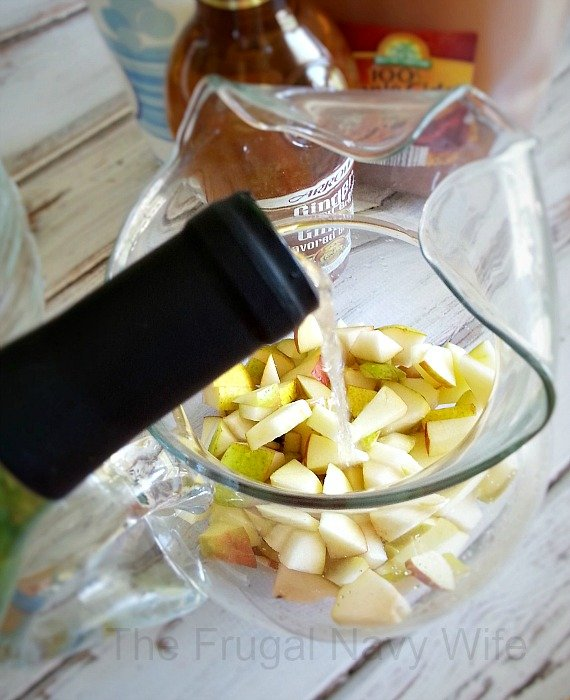 Apple Cider Sangria Pour Wine