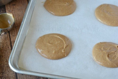 pumpkin-spice-recipe-how-to-make-pumpkin-whoopie-pies-recipe-on-pan