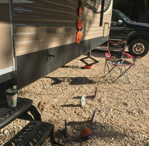 how-to-crush-the-rving-life-halloween-decor