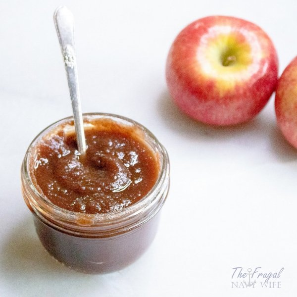 Lover of Apple Butter? Me too! Here is my favorite recipe and tips on Canning Apple Butter to make your experience the best! #canning #canningrecipe #applebutter #frugalnavywife | Canning Recipes | Canning Tips | Canning Apple Butter | Apple Butter Recipes