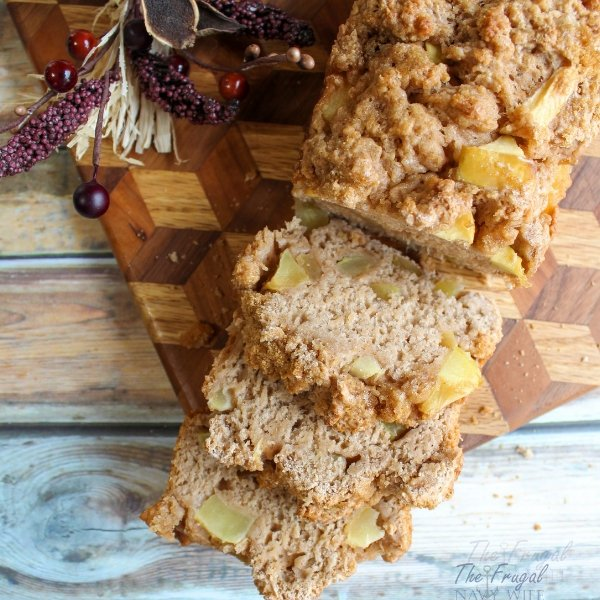 This Apple Cinnamon Beer Bread Recipe is so flavorful, delicious, and EASY, it is perfect for year-round enjoyment. No rising or kneading, just mix and pour. #applerecipe #beerbread #fallrecipe #breadrecipe #frugalnavywife | Fall Apple Recipes | Beer Bread Recipes | Bread Recipes | Apple Cinnamon Bread Recipe | simple Bread Recipe