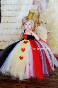 queen-of-hearts-diy-costume