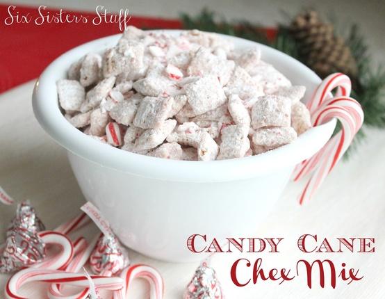 Candy-Cane-Muddy-Buddies