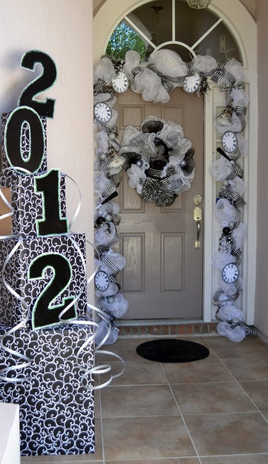 new-years-outdoor-decor