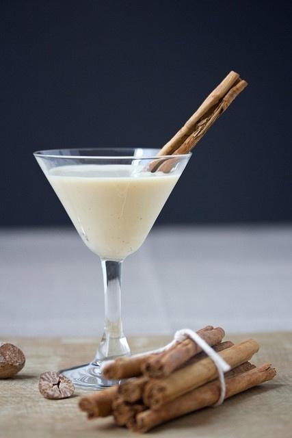 Cinnamon-Bun-Eggnog-Martini