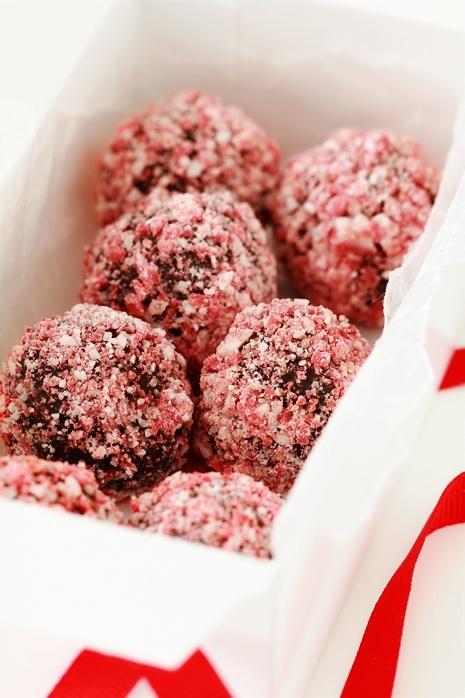Peppermint-Crunch-Truffles