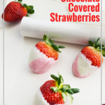 Change up the colors to match any theme or holiday and great for weddings. DIY Chocolate Covered Strawberries are easier then you think! #frugalnvaywife #chocolatecoveredstrawberries #dessert #easyrecipe #valentinesday #holidaytreat   Dessert Recipe   Easy Dessert Idea   Valentine's Day Idea   Chocolate Covered Strawberries   Wedding Ideas   5 Minute Dessert Idea