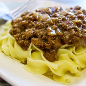 This Lazy Beef & Noodles is the perfect easy weeknight recipe! Simple to make and ready in just a few short minutes. Perfect last minute dinner recipe. #dinner #recipe #budgetmeal #frugalrecipe #easyweeknughtmeal #frugalnavywife   Dinner Recipe   Budget Meals   Easy Weeknight Meal   last Minute Dinner Ideas   Beef Recipes   Pasta Recipes