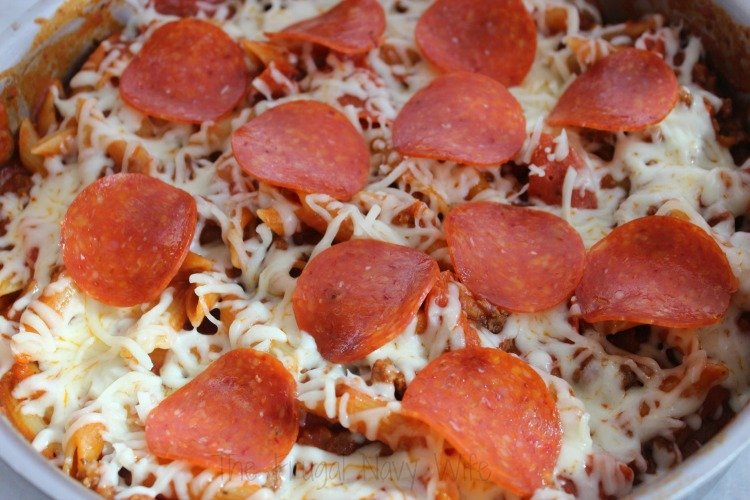 Easy One Pot Pepperoni Pizza Pasta Top