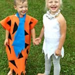 Looking for easy DIY Flintstones Costumes? I have the cutest kids Fred and Wilma costume!! It's so easy to make and you kids will love it as much as you do! #frugalnavywife #flintstones #fredflintstone #wilmaflinstone #halloween #kidscostumes #diycostumes   Halloween Costume Ideas   DIY Halloween Costumes   Kids Halloween Costumes   Flinstones Costumes   DIY Flintstone Costumes for Kids