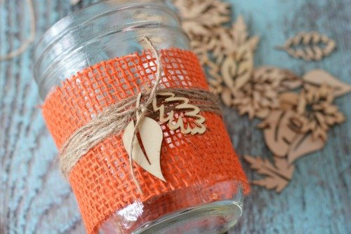 I Love Making My Own DIY Fall Decorations These Burlap Mason Jar Centerpieces Are The