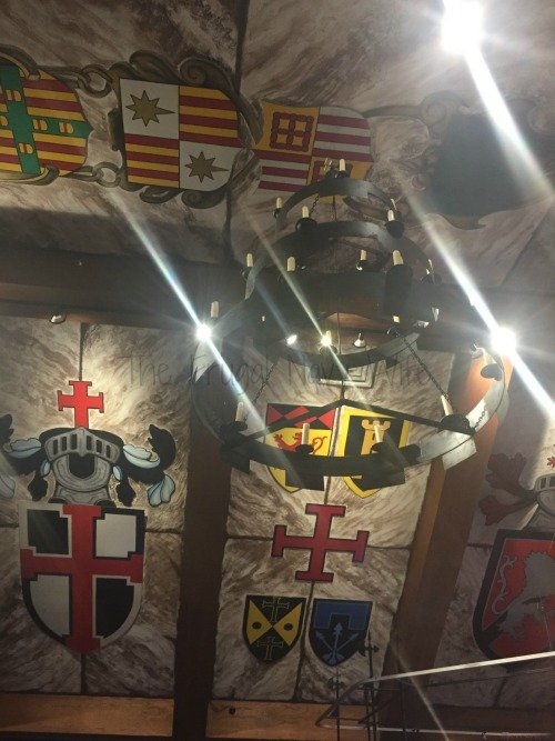 fun-at-medieval-times-in-dallas-texas-decor