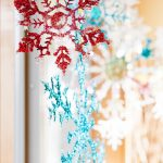 Ready to up your Winter Decor with Snowflakes? If so, here are some of my favorite DIY snowflake decorations that are simple and fun! #snowflakediy #snowflakecrafts #frugalnavywife #winterdecor   Winter Decor DIY   Snowflake Crafts   Snowflake DIY   Simple Snowflake Crafts