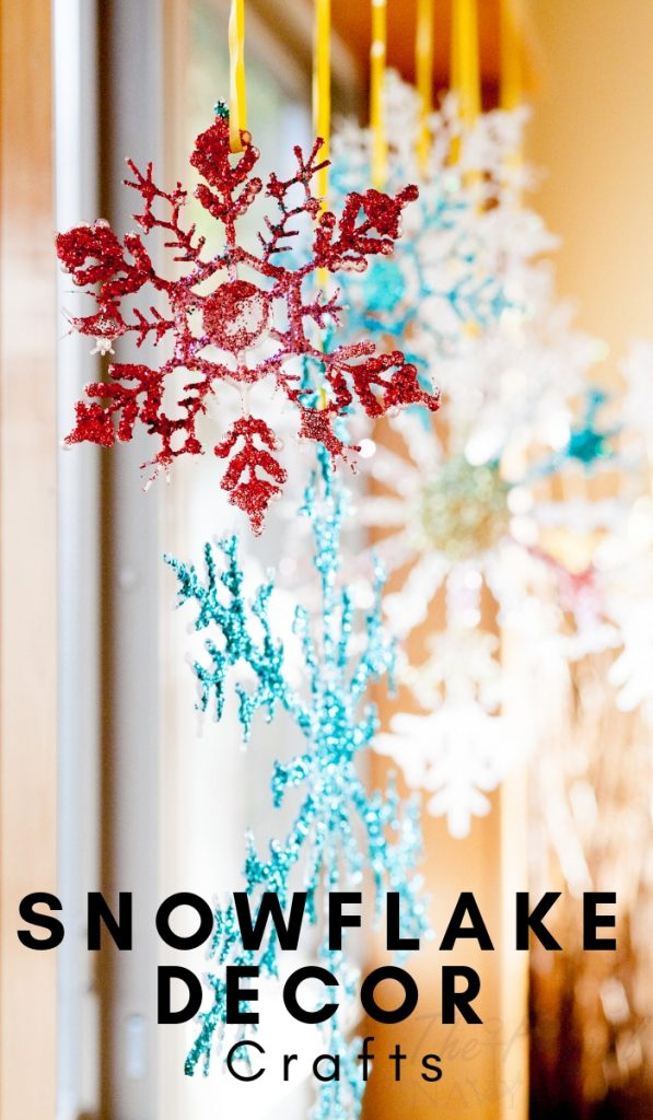 Ready to up your Winter Decor with Snowflakes? If so, here are some of my favorite DIY snowflake decorations that are simple and fun! #snowflakediy #snowflakecrafts #frugalnavywife #winterdecor | Winter Decor DIY | Snowflake Crafts | Snowflake DIY | Simple Snowflake Crafts