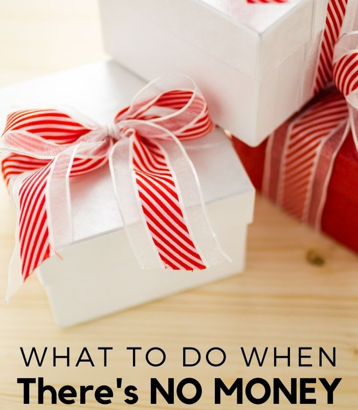8 Things to Do When There is No Money for Christmas Gifts