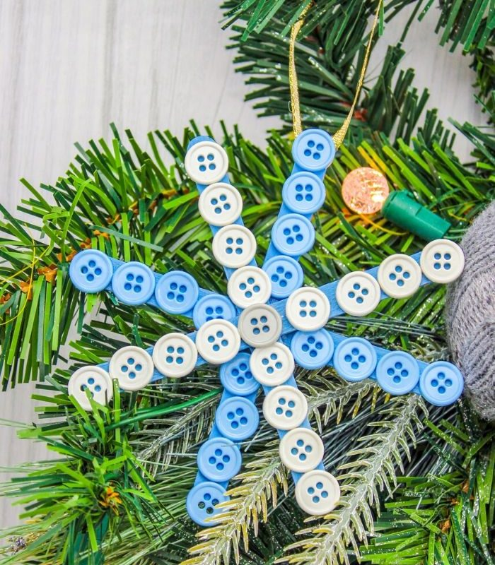 Easy DIY Button Snowflake – Popsicle Stick Snowflake Craft