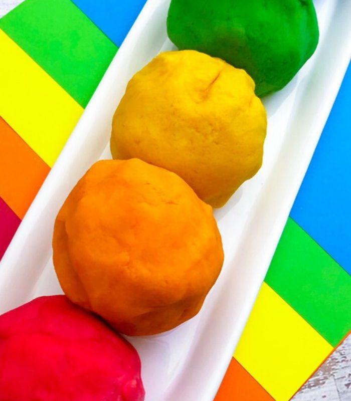 Easy DIY Rainbow Playdough – Homemade Playdough